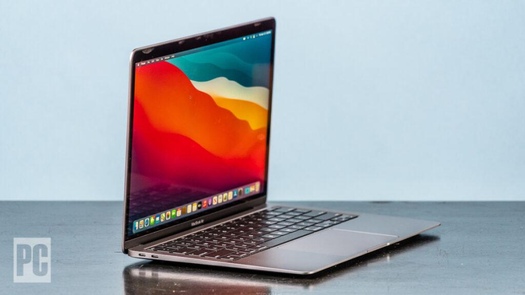 Apple MacBook Air (M1, Late 2020) Review