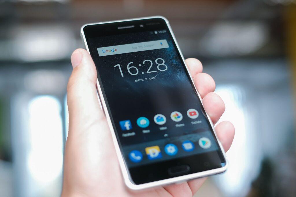 The 9 Best Budget Smartphones for Under $300 in 2021