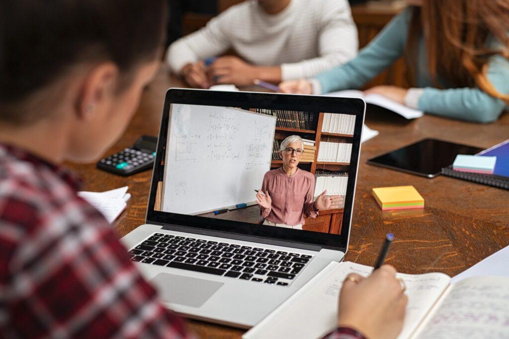 Best Student Laptops 2021: Top 10 student laptop picks