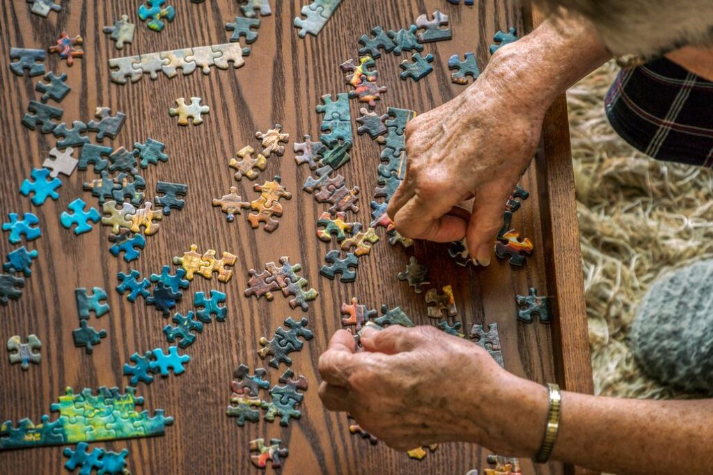 Cognitive decline linked to bone loss and fracture risk
