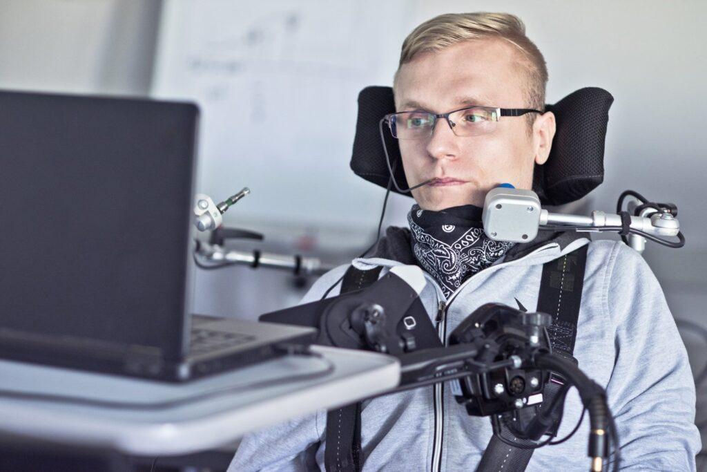 Neuroprosthesis' restores words to man with paralysis